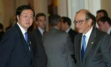 格林斯潘对话周小川:中美金融界的世纪对话