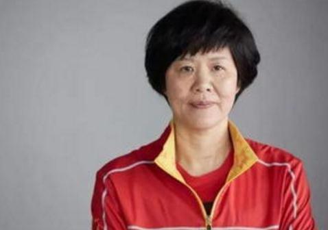 """""""铁榔头""""郎平:中国女排精神是努力去赢,就算不会赢也要竭尽全力"""