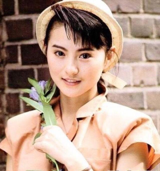 警匪片中最漂亮的警花——李赛凤,一起来欣赏一下她的美貌吧!